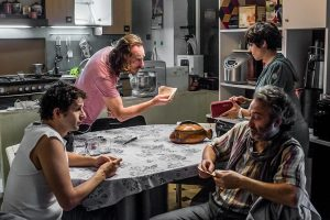indivisibili-film-scena-in-cucina