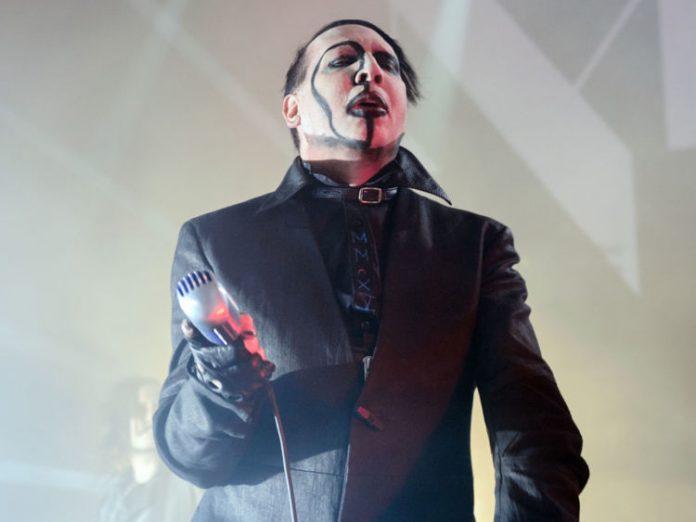 Marilyn Manson ferito dal crollo del palco a New York