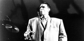Il libro di David Byrne dei Talking Heads spiega in modo approfondito il funzionamento del mondo della musica.