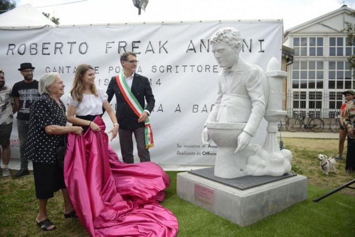 Freak Antoni degli Skiantos