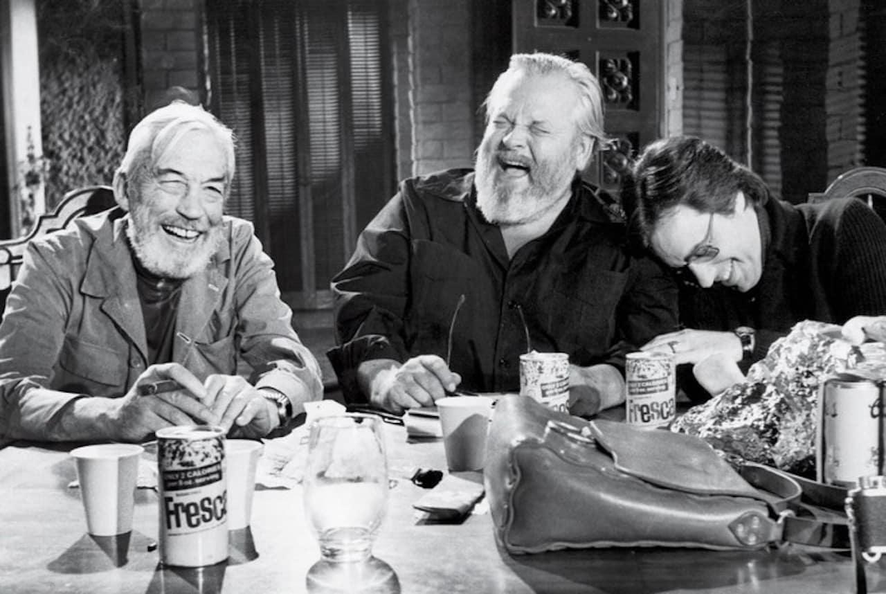 Huston, Welles e Bogdanovich sul set del film.