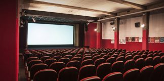 Coronavirus, sala cinema chiusa