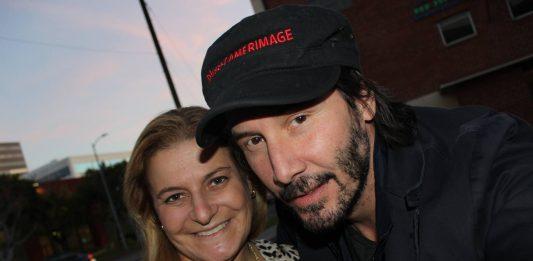 Keanu Reeves offre un passaggio ad una turista a Los Angeles
