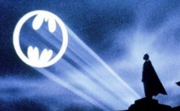 Batman, la Teoria dei fan sul Bat-segnale è illuminante