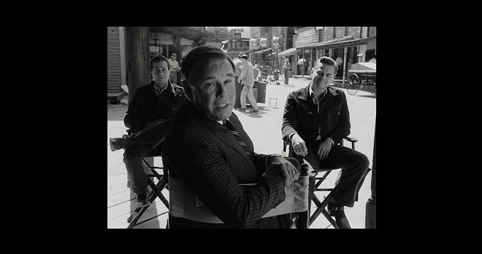 Rick Dalton ( Leonardo di Caprio ) e Cliff Booth ( Brad Pitt ) in una Scena tratta dal Film di Quentin Tarantino: C'era una Volta a... Hollywood