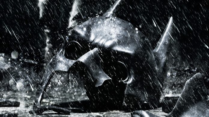 La maschera di Batman rotta in Crisis on Infinite Earths