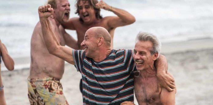 Odio L'estate Aldo e Giovanni in spiaggia