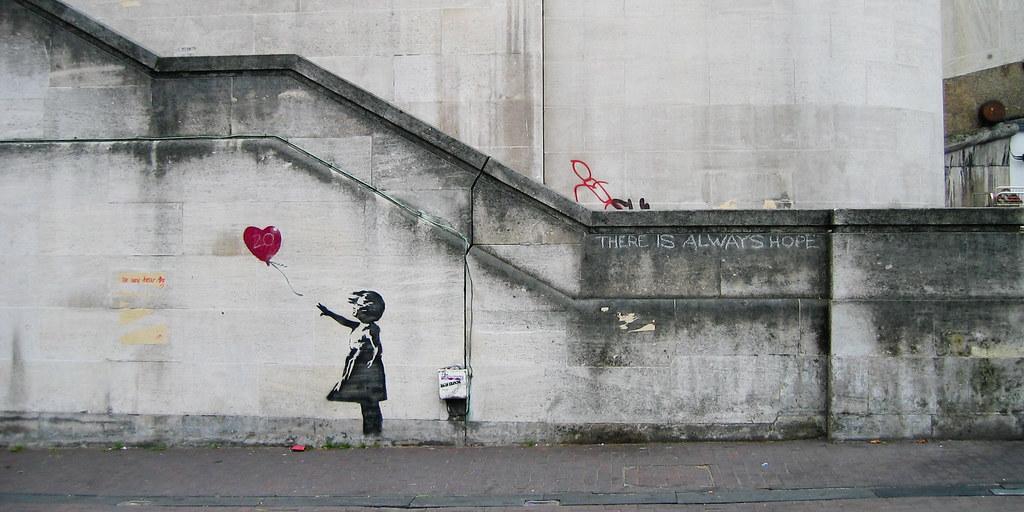 Il San Valentino di Banksy: un nuovo murales nella sua Bristol