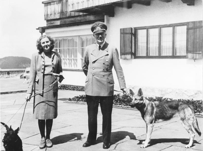 Hunters: Eva Braun e Adolf Hitler