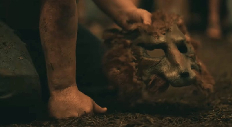 La maschera: nono episodio di The Outsider